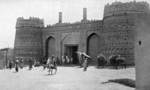 دروازه مسجد که آقامحمدخان قاجار از طریق آن وارد کرمان شد.